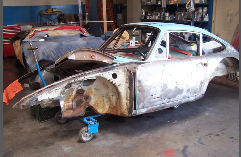 Porsche 911L at the beginning of the restoration process