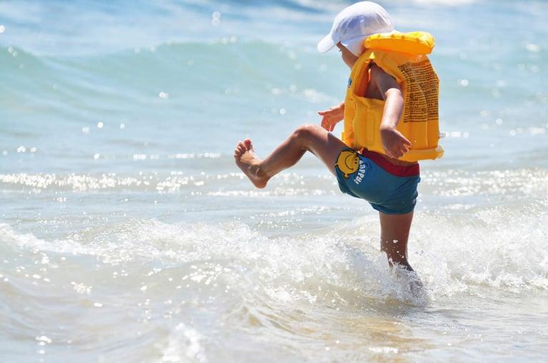 Bezpieczna zabawa nad wodą