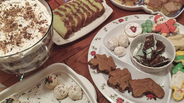 Ask the Coaches: How Can I Eat Less Sugar This Holiday Season?