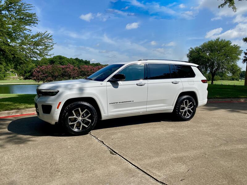 First Look: 2021 Jeep Grand Cherokee L Overland
