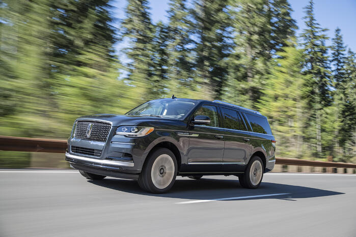 2022 Lincoln Navigator Introduces ActiveGlide Hands-Free Driving