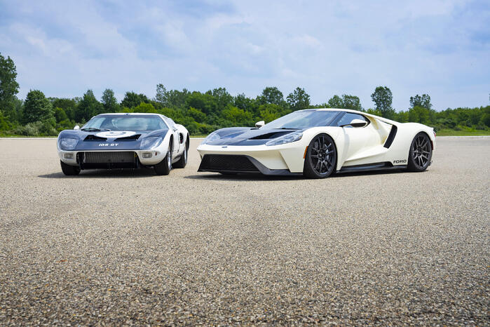 New Ford GT Heritage Edition Inspired by 1964 Prototypes