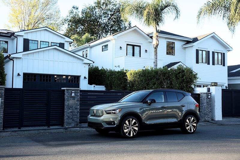 Volvo Survey: Cars Are A Safe Haven During Pandemic
