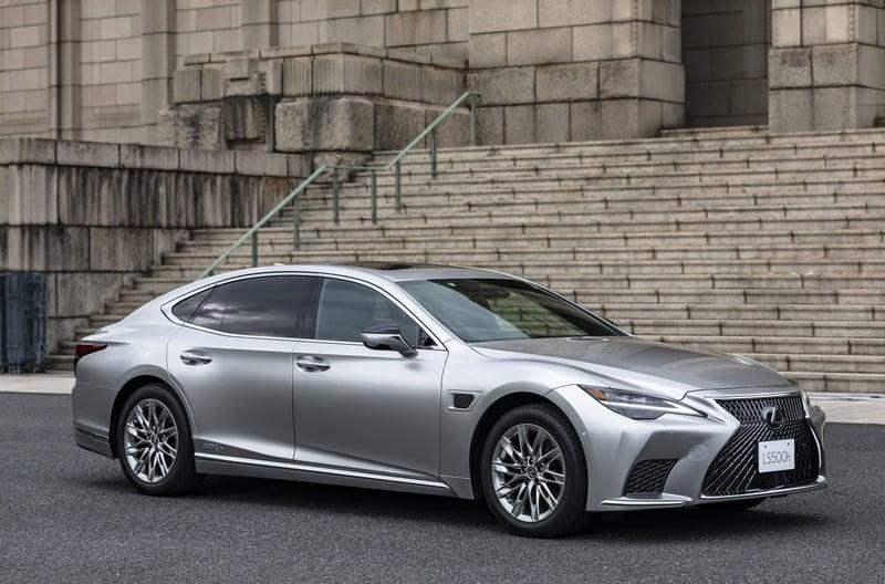 2022 Lexus LS 500h Debuts New Driver Assist Technology