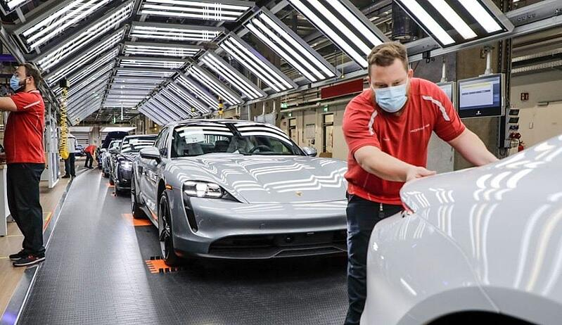 Porsche Offers Free Warranty Extension Due To COVID
