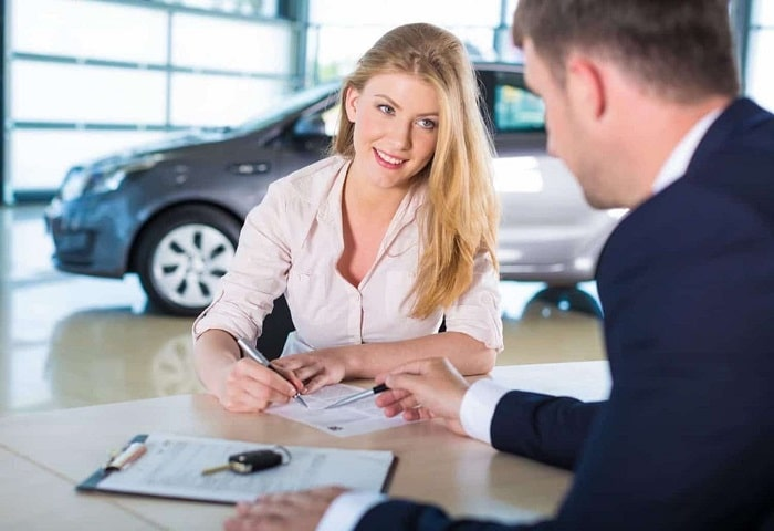 How to Navigate the Car Dealership Finance Office