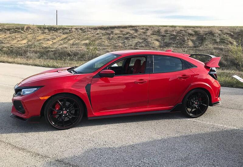 2018 Honda Civic Type R Lives Up to Its High-Performance Hype
