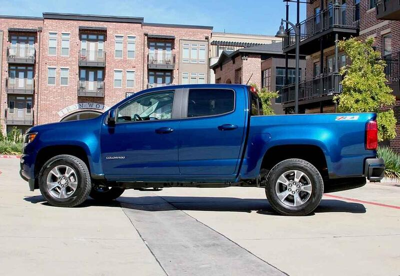 The 2019 Chevrolet Colorado Z71 Conquers Road Ahead And Looks Good Doing It