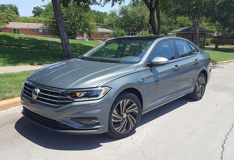 Redesigned 2019 Volkswagen Jetta SEL Hits and Misses