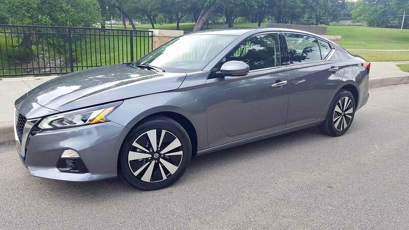 2019 Nissan Altima SV Review and Test Drive