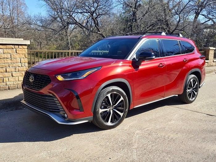 2021 Toyota Highlander XSE V6 Review