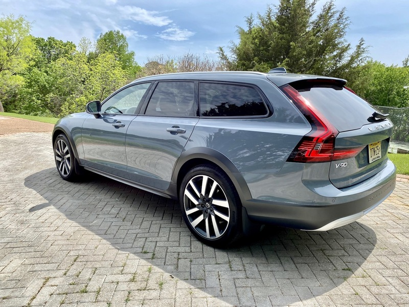 2021 Volvo V90 Cross Country T6 AWD Review