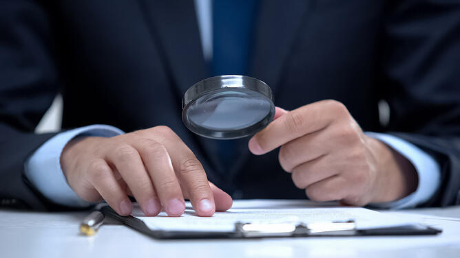 B2B customer reviewing a case study