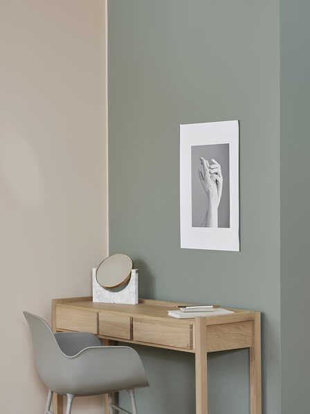 pastel shades with oak furniture
