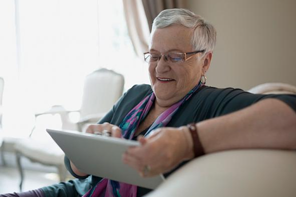 Safety Tips for Seniors Who Shop Online