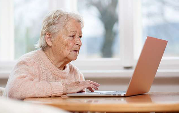 How Seniors Can Connect and Engage via Social Media
