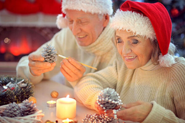 Why You Should Tour Senior Living Communities During the Holidays