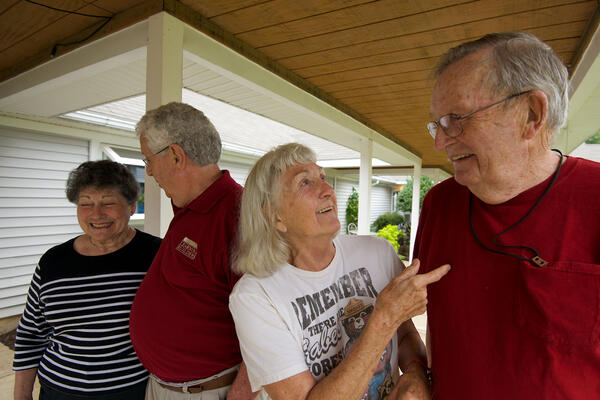 Why Independent Living Communities are Ideal for Single Seniors