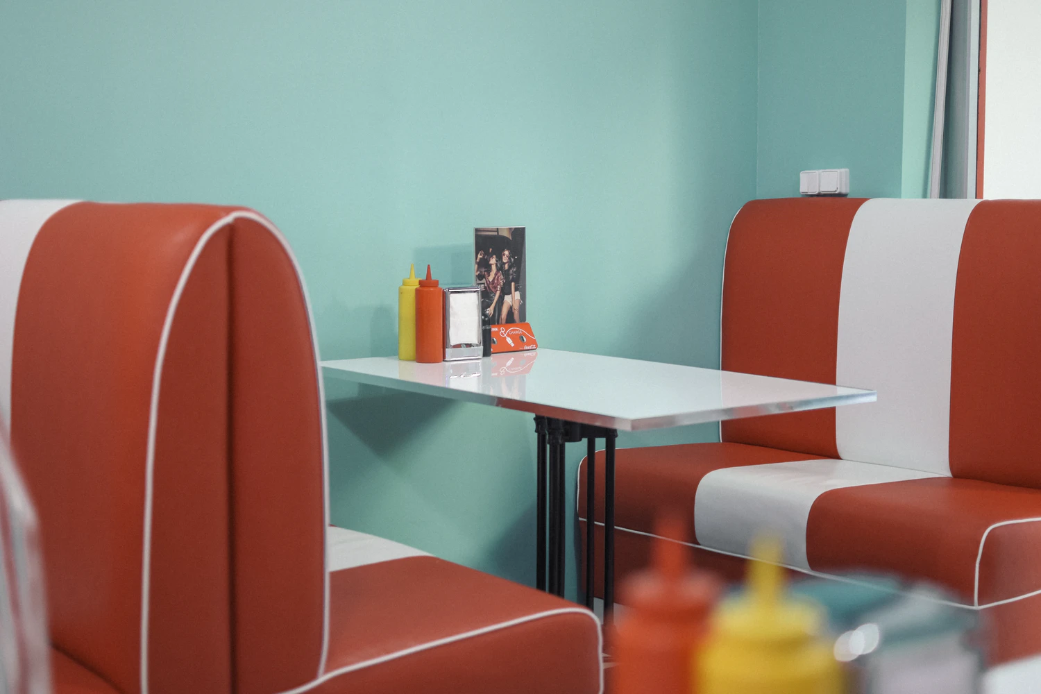 booth seats in a quick service restaurant