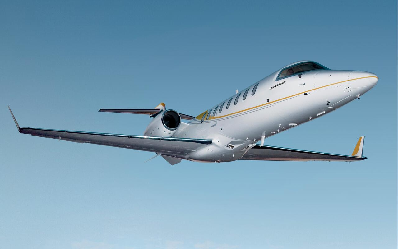 Popular corporate jet - bombardier lear jet 75