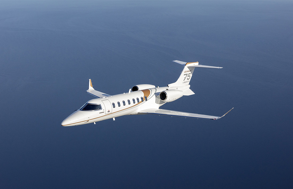 Corporate Lear 75 Liberty flying