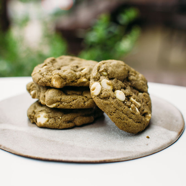 Cardamom-matcha-white-chocolate-chip-cookies