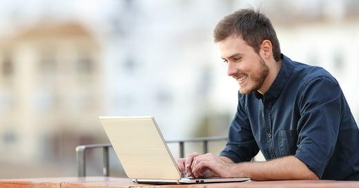 hombre-con-laptop.jpg
