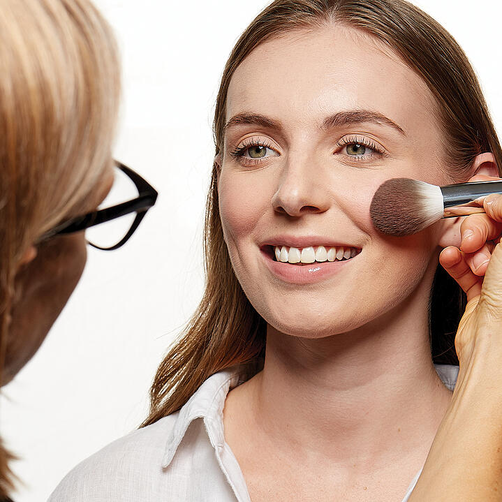 How to: choose the right make-up brush