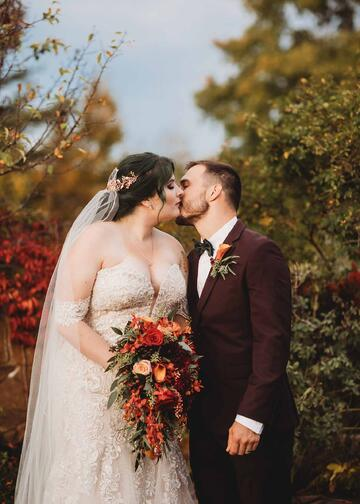 Elegant Fall Wedding in New Hampshire | Madison and Tyler's Real Wedding | Granite Rose