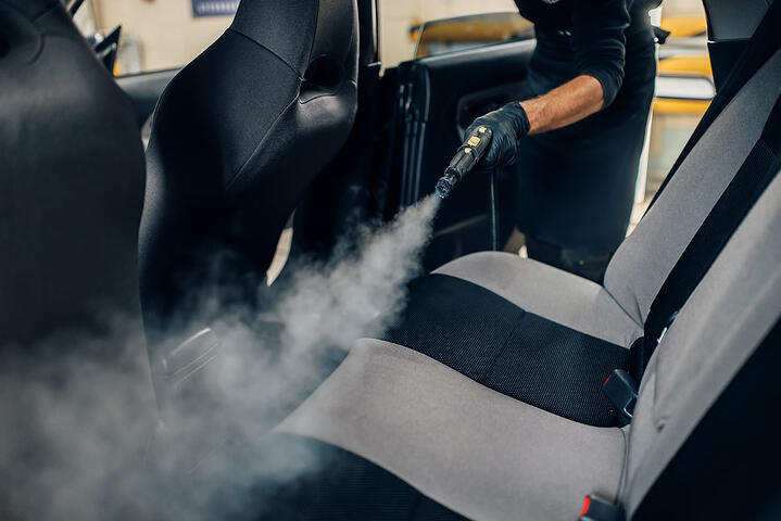 PRESSURE WASHERS, VACUUM CLEANERS AND STEAM GENERATORS: THESE ARE THE INDISPENSABLE TOOLS FOR A CAR WASH