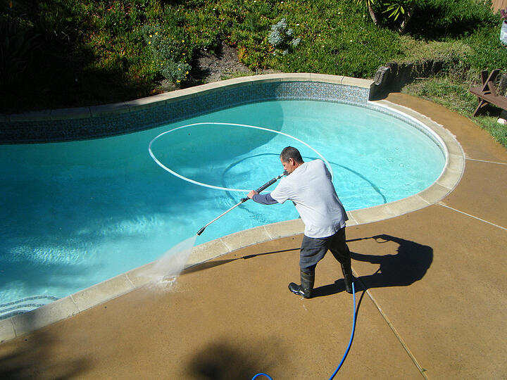 CLEANING THE POOL: THE ADVANTAGES OF HAVING A PRESSURE WASHER
