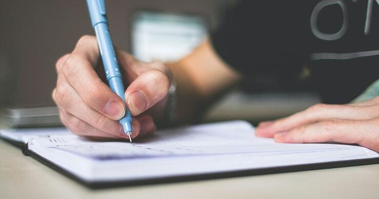 7 Steps for Writing an Outstanding Scholarship Essay