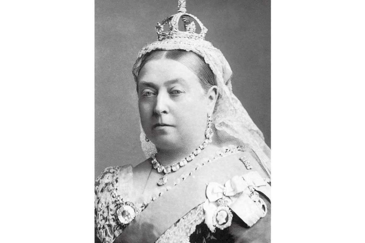 queen-victoria-jubilee-head-5-pound-gold-coin-02