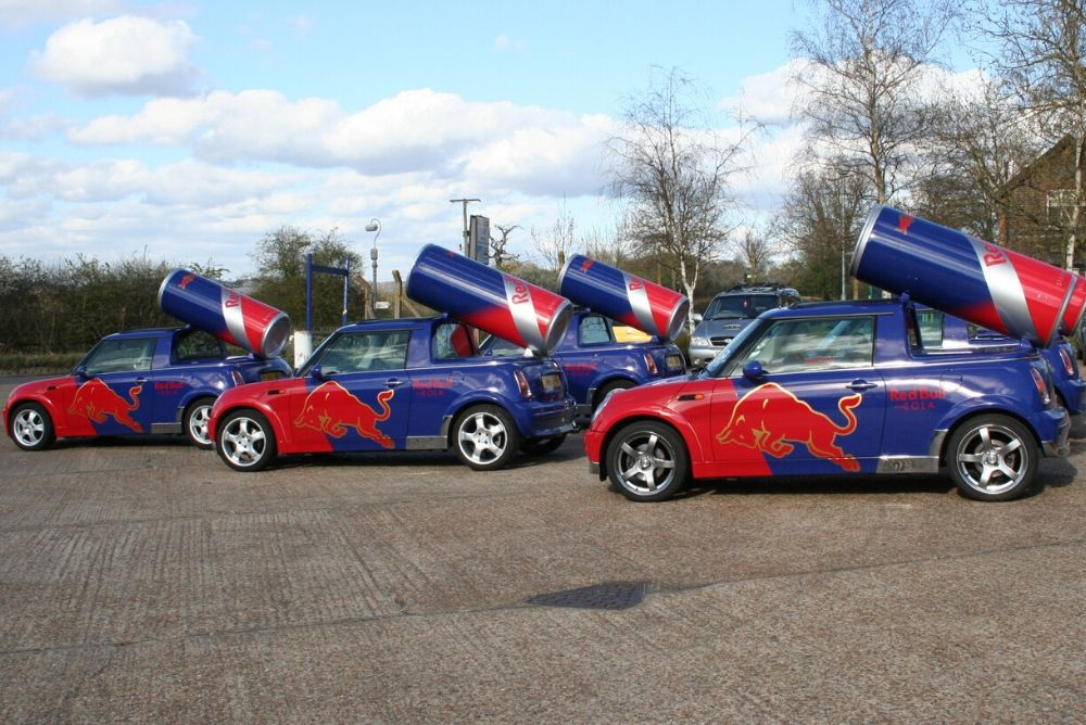 1000x668 px_Vehicle Wrapping_Redbull Mini Cooper wrap