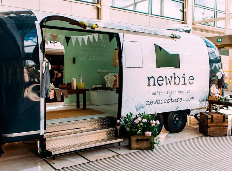 Pop up retail Airstream for Newbie