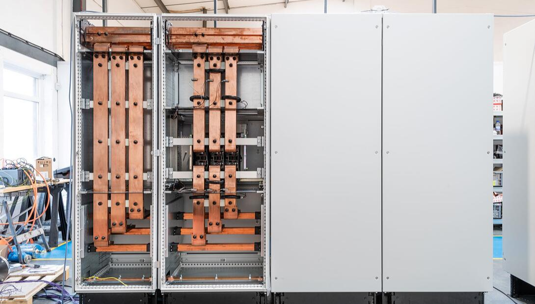VX25 Ri4Power in Rittal enclosures