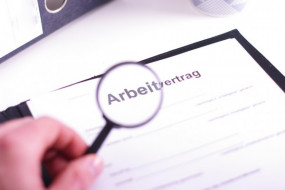 Häufige Fehler im Arbeitsvertrag: Praktische Checkliste für Arbeitgeber