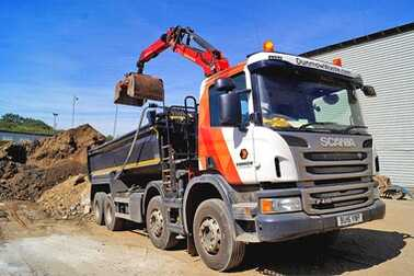 04-Dunmow-HomePage-Grab-Hire-02