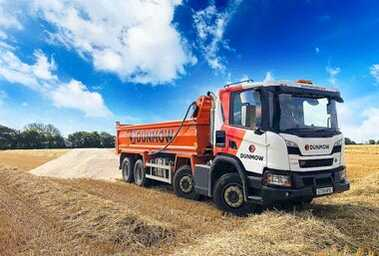 06-Dunmow-HomePage-Tipper-Hire-01