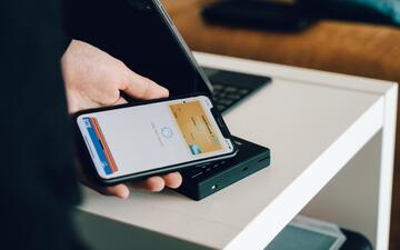 Why are users opting for mobile payments?