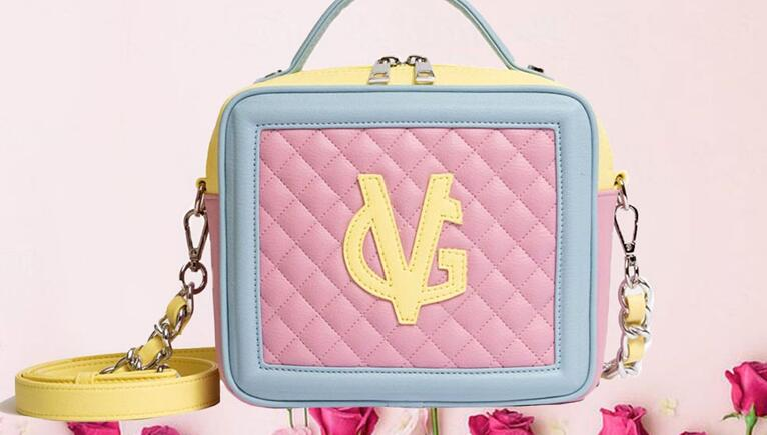 Tendenze moda 2021: nuovi colori pastello e dettagli protagonisti della primavera-estate