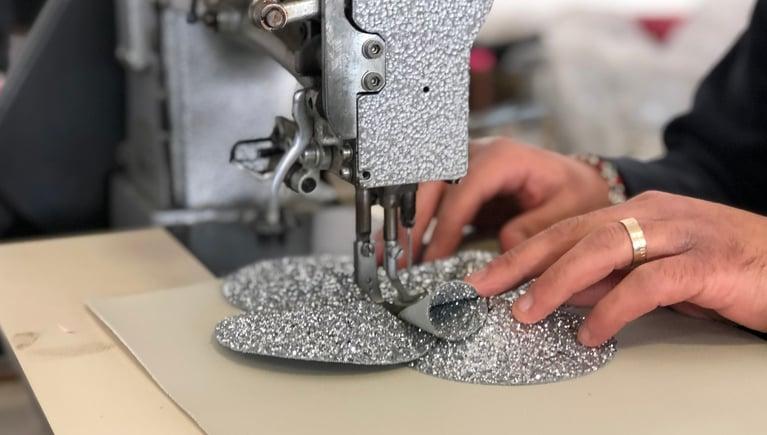 Come nascono le creazioni artigianali Valentina Giorgi e chi c'è dietro la loro minuziosa realizzazione