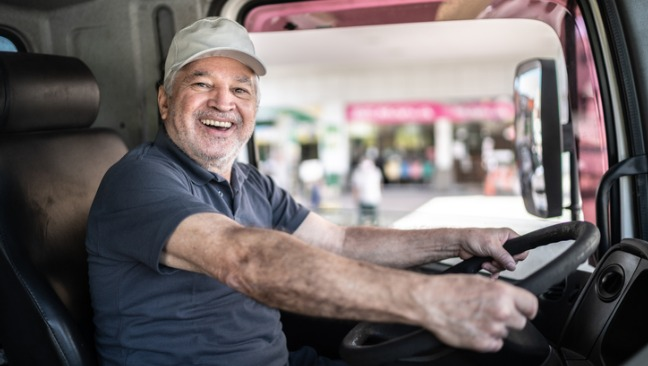 8 Ways to Increase CDL Driver Retention For Your Trucking Company