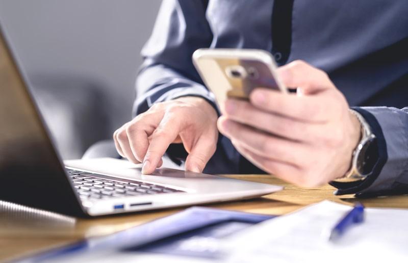 business man using a smartphone-min