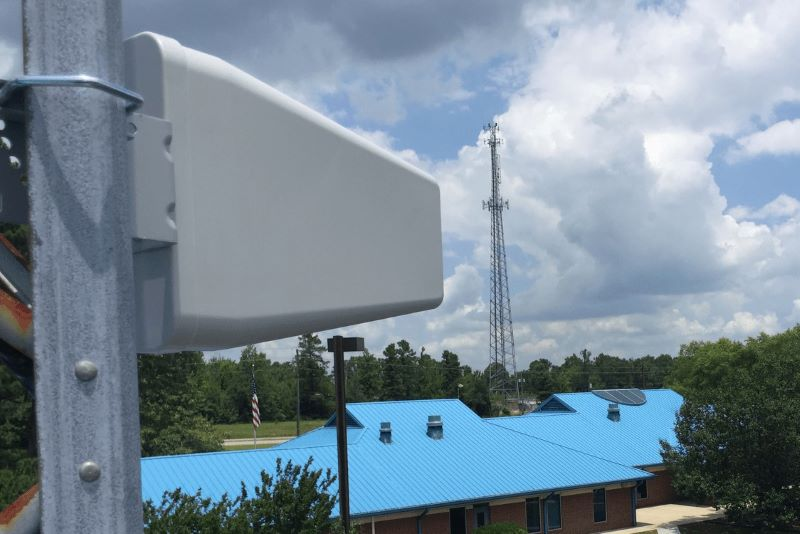 cell phone signal booster antenna-min