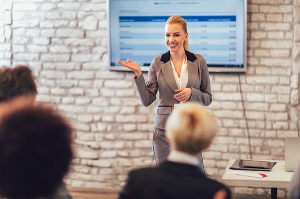 The Top 5 Sales Influencers Every Sales Rep Should Be Following